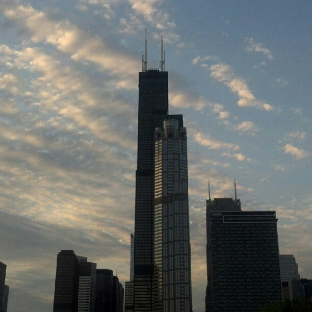 #chicagoarchitecture #nofilter #sixmonthoversary #searstower (Taken with Instagram)