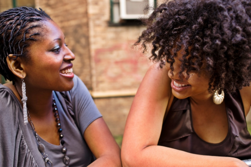 Friends chatting it up #naturalhair #girltalk
