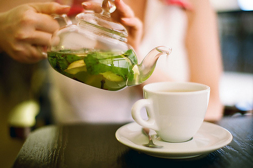 razorbladesalvations:  tea time (photo by Maria Ignatyeva)
