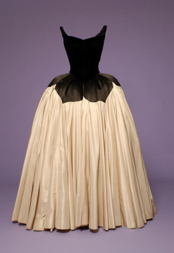 Ballgown by Charles James - via The Museum of FIT