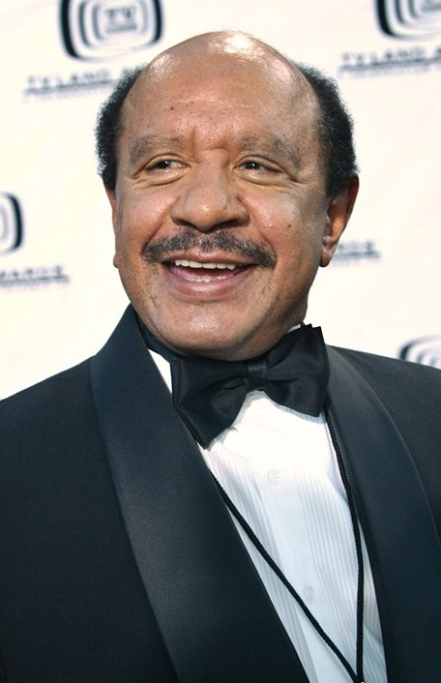 dek-says-so:  thedailywhat:  RIP: Sherman Hemsley, at 74: Sherman Hemsley, star of The Jeffersons, has died. He was 74. [kfoxtv]  :<