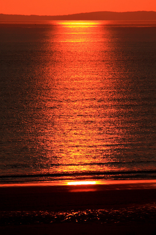 life-of-planet-earth:  Orange coloured sea (by Jo Evans1 - Away for a while)
