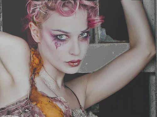 21 / 100 pictures of Emilie Autumn. +