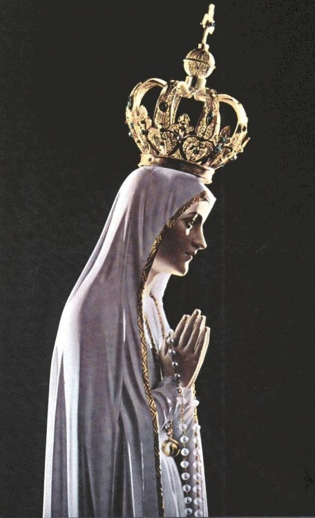 allaboutmary:  The international pilgrim statue of Our Lady of Fatima, which has traveled to many places around the world.