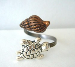 Shell and Turtle Ring - $19.00