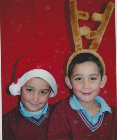 i-play-nipple:  omg this is probably the cutest thing ever! Luke and Jai