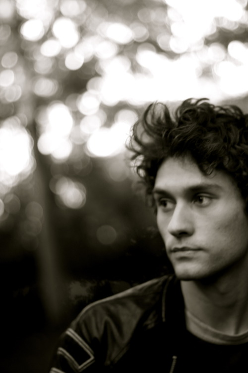 Sam Beeton talks about his subscription Record Club, that has just started into it's second Season. Sign up for £12 + P&P and receive 12 CD's over a year direct from Sam. His latest recorded songs before anybody else To subscribe go to: http://www.sambeeton.com Samuel sends his CD all over the world - North & South America, Europe, Asia, Australasia! Drop it like it's……*walks off*