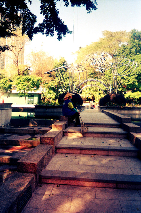 time for some R&R. Kowloon Park, Hong KongColorsplash lomography camera. 35mm color negative film ISO800.