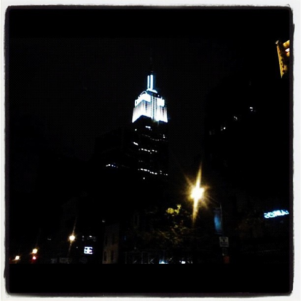 #webstagram #esb #empirestatebuilding #signaturecolor #empirestate #thebigapple #igers #insta #igdaily #igad #ignation #igaddict #instagrammers #iphonesia #photo #photography #newyorkcity #night #midtown #manhattan #city #summer #followme #bestagram  (Taken with Instagram)