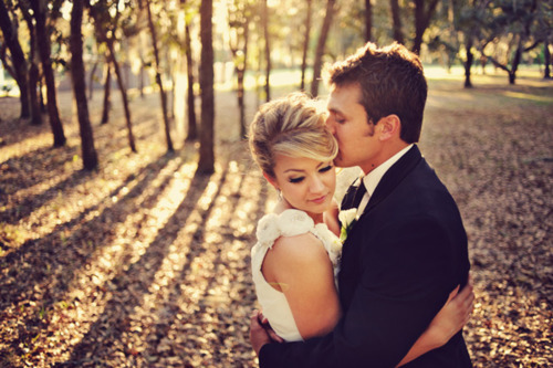 Wedding, wedding ideas, bride, groom, kiss