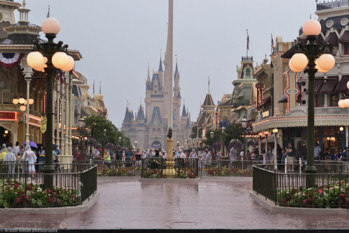 mywdw:  A rainy day on Main Street.