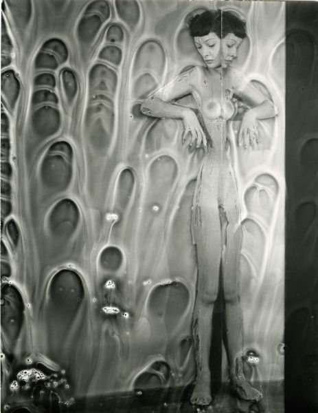 realityayslum:  Erwin Blumenfeld - Mirror Nude with Chemicals, NYC 1950s. … via fiac!