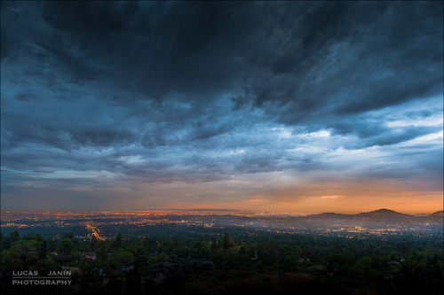 Night or day ? on Flickr.Mountain, Altadena, California, USA I like this moment or you don't know exactly if it's day or night… morning or evening… Specially with this gorgeous sky… Thanks mother earth for this nice gift !