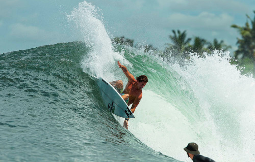 Andy Irons, you are the man. You are a legend. A hero. An inspiration. You are everything. It's devistating that you had to go so early, but we know you're at peace and in a better place. I hop you're ripping the hell out of the waves up there. Your talent is undescribable. Axel is lucky to of had such a great dad, and he will be a talented dude just like you were. R.I.P Andy, and happy birthday.