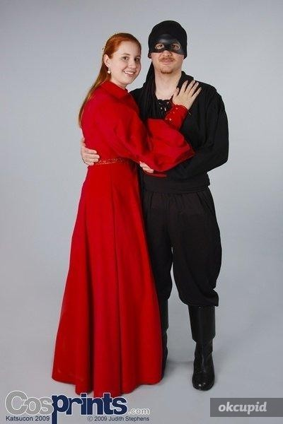 Someone wanted to see my old cosplay. Yay Princess Bride! Fuck those sleeves man. Handsewing that shit sucked