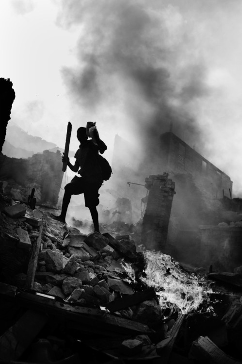 Haiti Aftermath by Jan Grarup. 2012 Leica Oskar Barnack Award Winner.