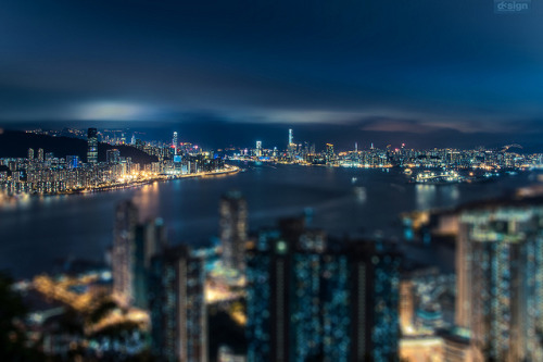 studioablog:  untitled by d3sign on Flickr. Awesome shot. Skyline of Hong Kong.