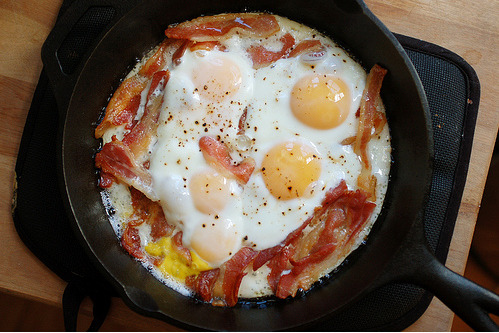 yummmaystuff:   yummaystuff  bacon and egg fry up.