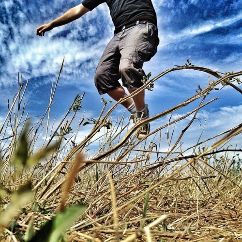 Just another #jumpstagram #instamood #iphonesia #instadaily #photooftheday #amazing #adidas #sky #shoes #summer #statigram #funny #flying #happy #legs #cool #nature #me  (Scattata con Instagram presso Valle del Tevere)