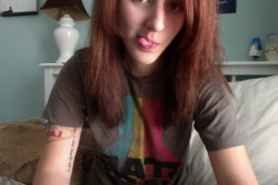 mercurysigns:  Wearing my man's Star Wars T-Shirt. <3