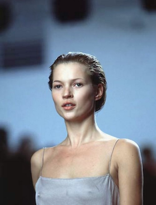 kate moss at calvin klein fall winter 1998/99