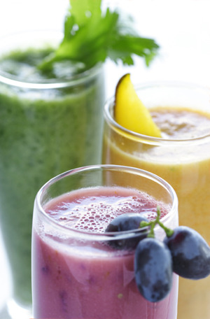 13 refreshing smoothie and green juice recipes