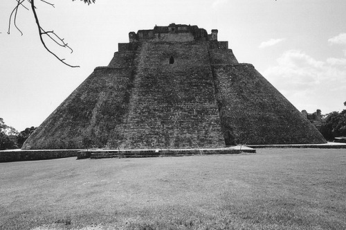 029 Piramide dell'Indovino, Uxmal, Yucatan  (Mexico) by tango- on Flickr.