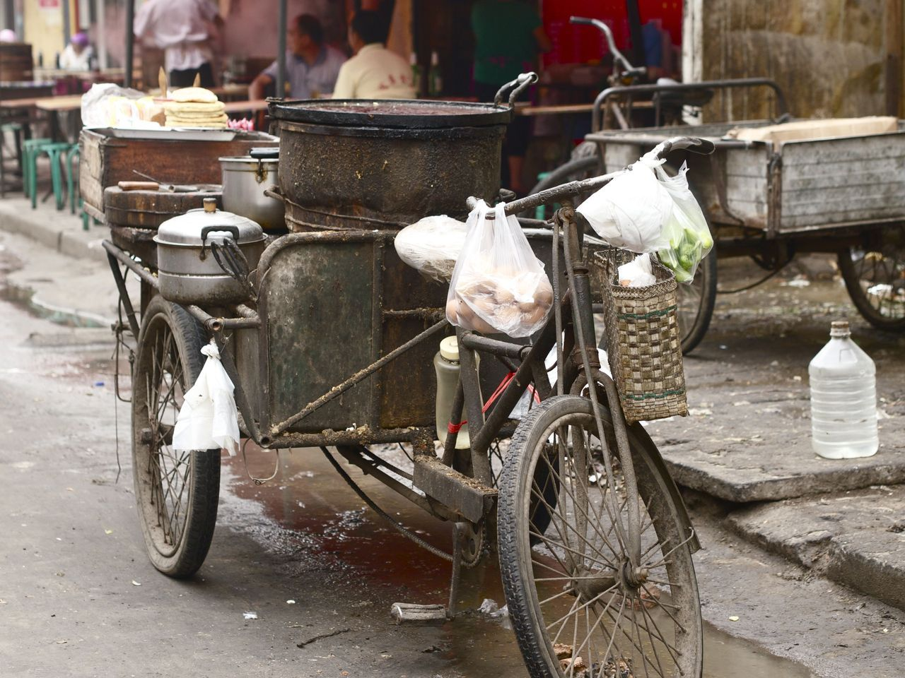 A Handan street vendor's Rickshaw. Again, I would love to hear the stories this rickshaw would tell if only it could…