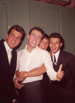 slackseyobrien:  Fabian, Bobby Darin, Keely Smith, and Frankie Avalon, late 1950s