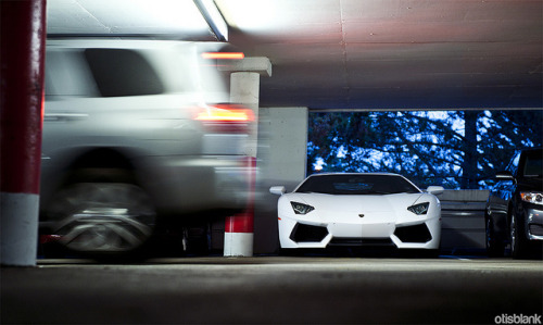 Lamborghini Aventador [RE-EDIT] on Flickr.