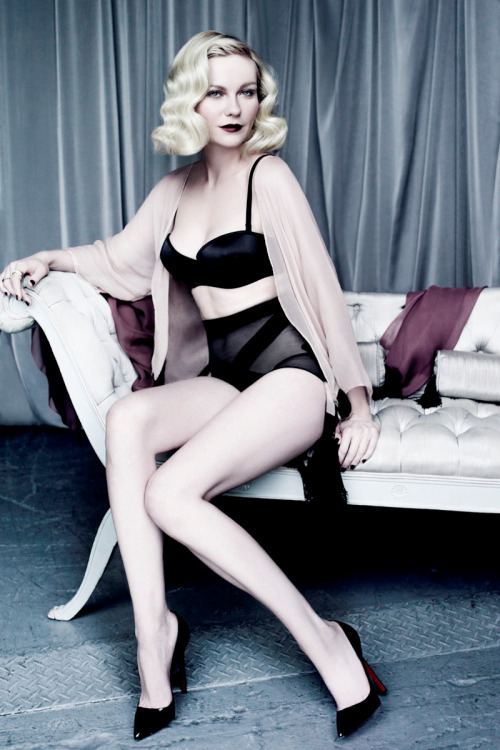 Vanity Fair, March 2012 photographer: Tom Munro Kirsten Dunst HER COLOR THIS COLOR  // heather-in-heels:depechemoderox