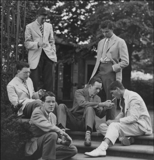 theivyleaguelook:  menoftheivyleague:  Yalies   1935