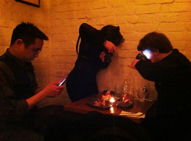 collegehumor:  Three People Taking Pictures of Their Food At the next table there were three people taking pictures of these people.  Lol, they must all have fitblrs/instagram/twitter
