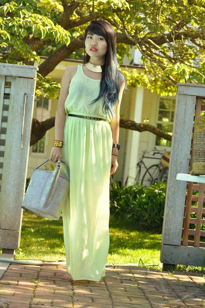 Nicole - At home in the Hamptons  Forever 21 dress // Watering can, maybe IKEA?