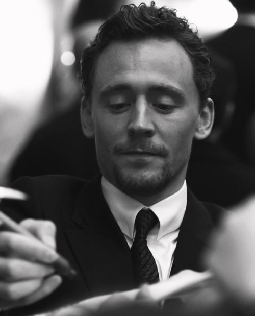 Tom Hiddleston Tumblr_m7qgk0NP381qi5jvqo1_500