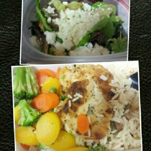 #chicken #carrots #rice #brocoli #lettuce #tomatoes #cheese #squash #healthy  (Taken with Instagram at America's Family Doctors)