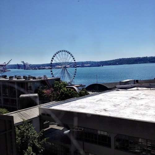 Our shitty view for lunch. @asholio_bandanas #seattlelife #crappyview  (Taken with Instagram at Athenian)