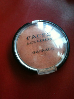 thelifeof-iamajx:  Faces Show Colors Bronzer; this bronzer I actually got in a makeup set, it's not a big brand bronzer but it's so good! personally I don't like using loads but even just using a little bit can make a big difference! So yeah, you haven't got to pay out fortunes to get good makeup! The one bad thing is that because it was in a set I haven't been able to find it since so I'm going to have to search the Internet and if I find it I shall post the link!:')