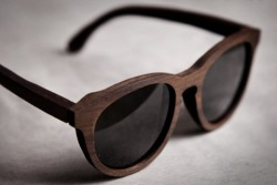 theminimalisto:  Bamboo sunglasses, you can buy them here.