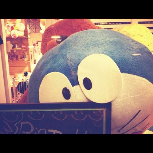 forever-shatter:  #Doraemon #KawaiiShop #WindowShopping (Taken with Instagram)