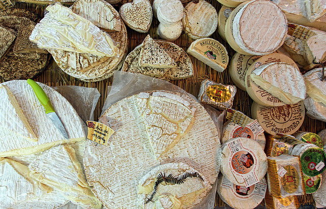 Fromagerie Maître Pennec on Flickr.Via Flickr: Fromagerie en Les Halle Saint Thibault
