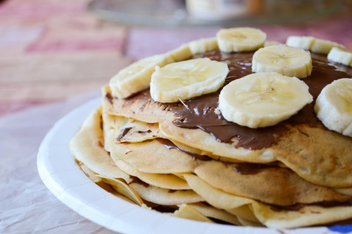 crazzyaboutfood:  Banana & Nutella Layers (by *Orchids*)