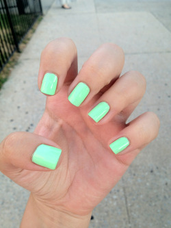 bergdorfprincess:  Just got a manipedi. Hooray for neon mint :)