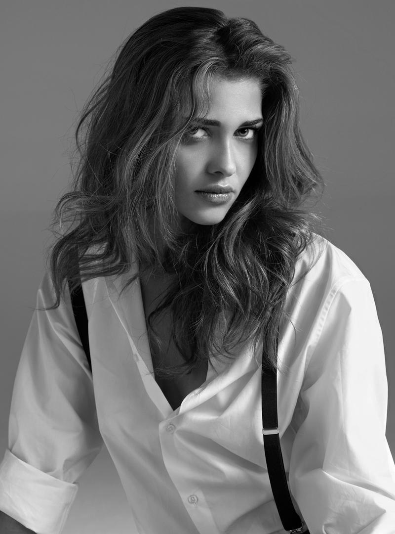 chicandrebel:  Ana Beatriz Barros, 2010.