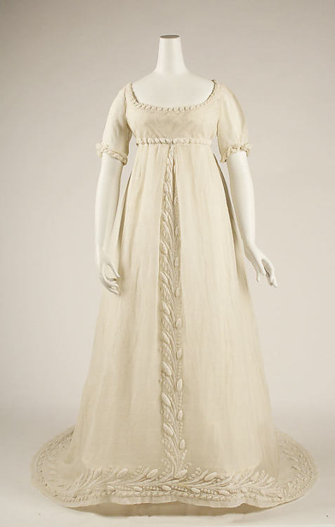 omgthatdress:  Dress 1804-1814 The Metropolitan Museum of Art