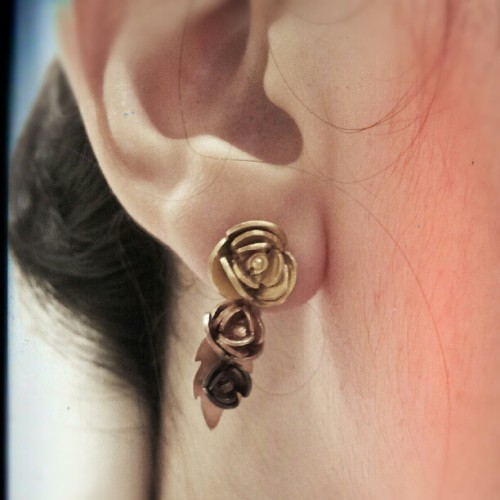 A rose earring by me!!! (Publicado com o Instagram)