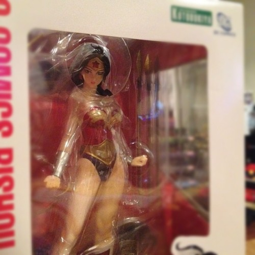 I think it's time we unbox this Amazon. #wonderwoman #kotobukiya #dc #statue  (Taken with Instagram)