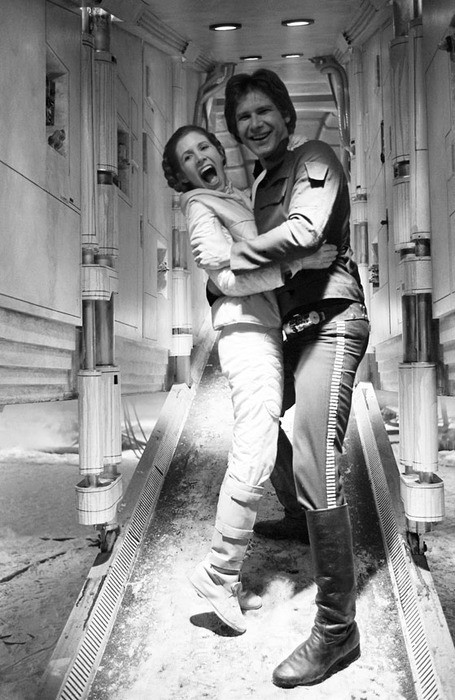 beccafett:  ladyofpeace:  Adorable Han Solo and Leia photo!  always reblog. ^
