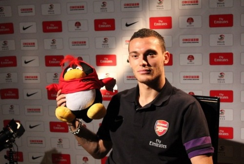 Look at how impressed Vermaelen looks hahaha x