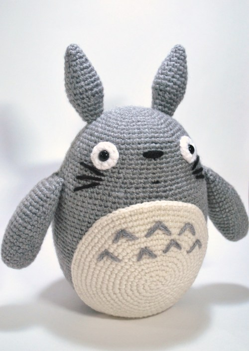 Totoro! Pattern by Lucy Ravenscar. Excuse this messiness. It was commissioned for a friend and this was the only picture I snapped.